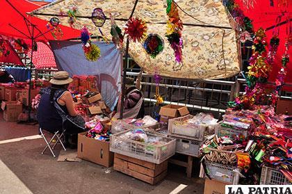Una reglamentación regulará la actividad comercial en el Carnaval de Oruro