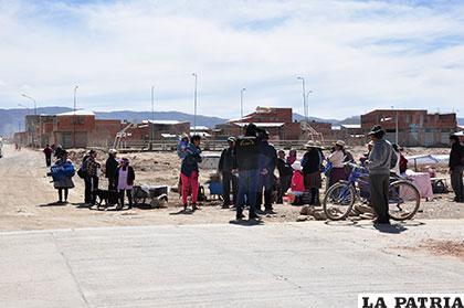 La expectativa crece en inmediaciones de la Estación de Autobuses Oruro