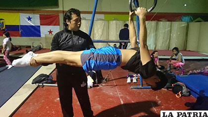 Entrenadores chinos capacitan a los deportistas bolivianos