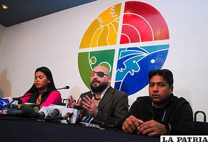 Tezanos en conferencia de prensa dio a conocer la queja que se interpone ante la CIDH /APG