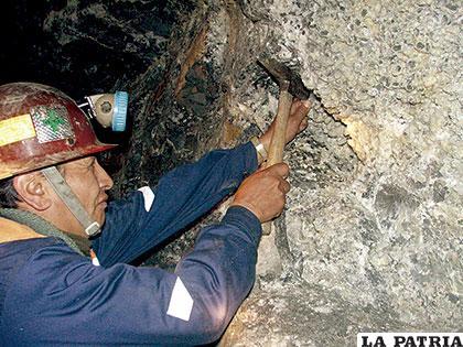 Los antiguos socavones se agotan paulatinamente, hay necesidad de reemplazar los yacimientos