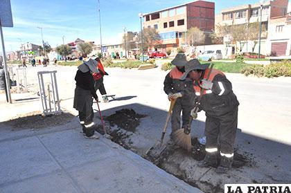 Labor que se realiza día y noche para que las calles estén limpias