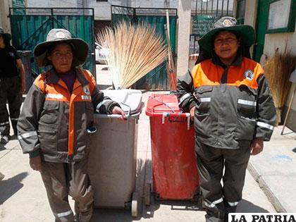 Francisca Gutiérrez (izq) y Elizabeth Mamani, dos de las más antiguas trabajadoras de EMAO /EMAO
