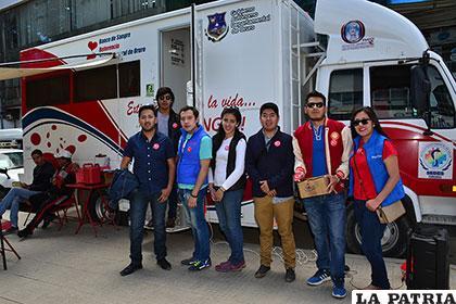 Jóvenes se animaron a donar sangre para apoyar la campaña