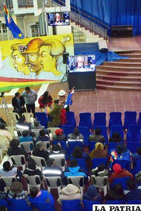 Durante la vigilia en el hall de la Gobernación