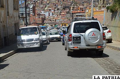 El vehículo bloqueaba la circulación