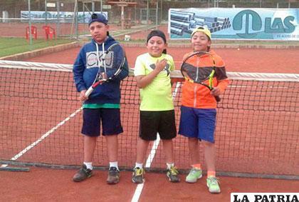 Nicolás Murillo, Leandro Flores y Andrés André