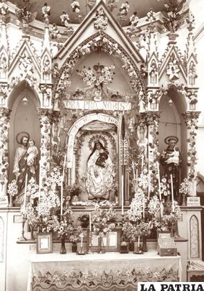 Fotografía de Carlos Portillo, la Virgen tiene manos postizas y se elimina la vela, en 1920