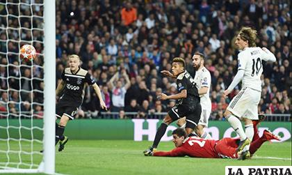 David Neres anota el segundo del Ajax y sentencia el partido /as.com