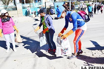 La Ruta de Limpieza por la Vida busca crear conciencia ambiental /LA PATRIA /ARCHIVO