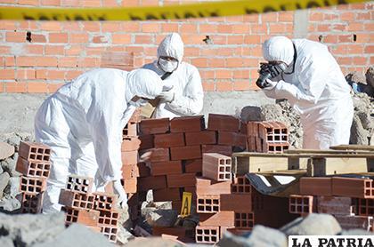 Peritos del Iitcup estuvieron el día que apareció el cuerpo de la niña /Archivo LA PATRIA