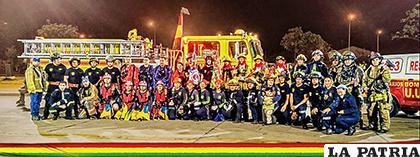 Los bomberos serán los encargados de hacer las compras para las personas que no puedan salir de casa /Facebook