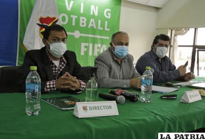 Directivos de la FBF a la cabeza de Fernando Costa /APG