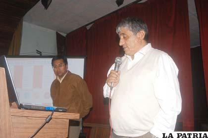 Iván Arias en el Taller sobre construcción del Estatuto Autonómico organizado por la Bancada del MSM en la Asamblea Departamental