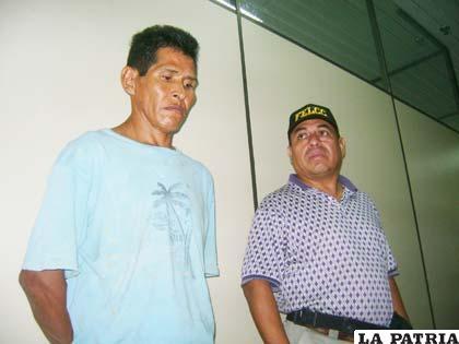 El padrastro abusador antes de ser llevado a la cárcel de Palmasola