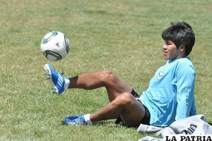 Rubín Vitingay jugará en el once principal de San José