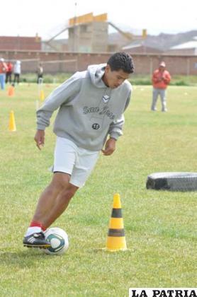 Carlos Saucedo goleador de la Liga y San José