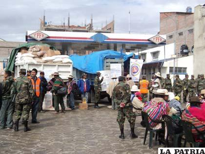 Entregaron víveres a comunarios afectados por las riadas, heladas y granizadas
