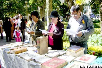 Nueva Feria del Libro reunirá a escritores  bolivianos en el atrio del Santuario del Socavón, este 29 de abril (Foto Archivo)
