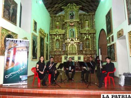 Jóvenes del Quinteto Consonare de Santa Cruz