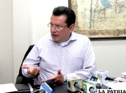 Presidente de la CEPB lamenta que no se utilicen correctamente las cifras del incremento salarial
