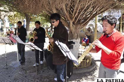 Cuarteto intenta que haya más intérpretes del saxo