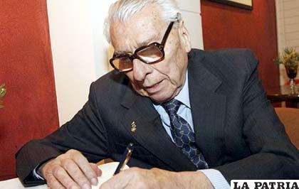 Tras 50 años como director, José Gramunt se retira de la Agencia Fides