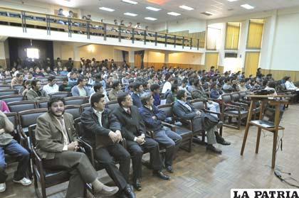Algo más de 200 personas participan en el Congreso de Ingeniería Biomédica