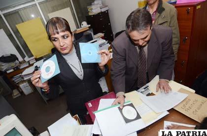 Senadora Carmen Eva Gonzales presentó pruebas de peritaje hechas en Brasil que comprueban que la voz de los audios es del fiscal Marcelo Sosa