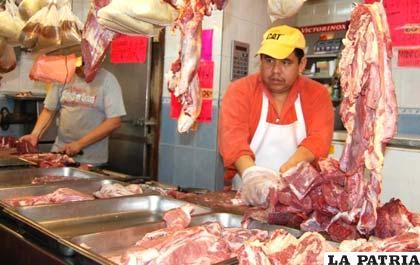 Los carniceros esperan soluciones sostenibles al alza de precio de la carne