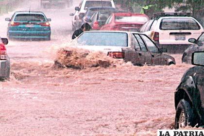 Intensa lluvia afectó a la tierra camba
