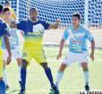 Martins domina el balón, pero no estuvo acertado como en otras ocasiones