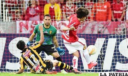 Valdivia, autor del único gol del cotejo