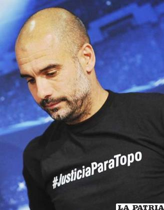 Guardiola con la polémica camiseta