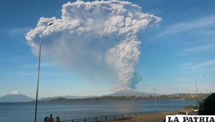 El volcán chileno Calbuco entró en erupción