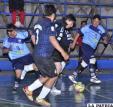 Una acción de juego del partido entre Morales Moralitos y Saavedra