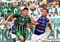 Pedro Azogue y Mario Cuéllar en la disputa del balón /APG