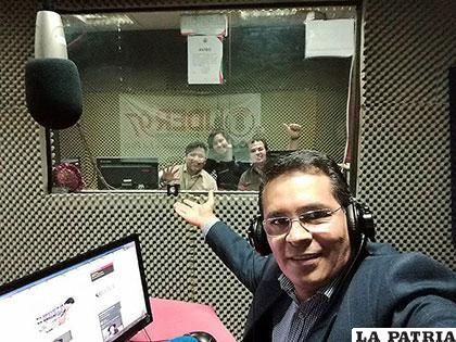 Gonzalo Rivera, en uno de sus programas radiales /peru21.pe