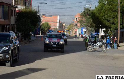 Ambulancias de Bomberos llegan en auxilio de los heridos