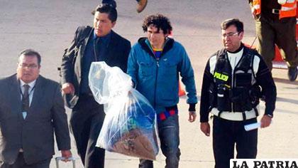El peruano cuando fue extraditado a Bolivia /ERBOL