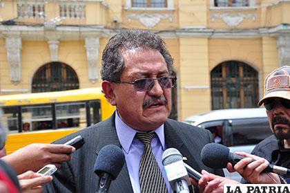 El Concejo abre la posibilidad de elegir a un alcalde por los 30 días de baja médica de Edgar Bazán /Archivo