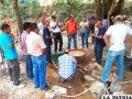 El Ing. Carrillo en labores de capacitación de mineros artesanales en una población hondureña /Archivo