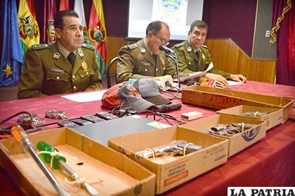La conferencia de prensa ofrecida por las autoridades policiales /LA PATRIA