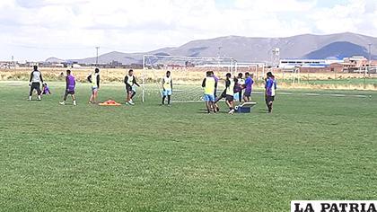 El equipo se concentra en el torneo local donde apuntará a mejorar su ubicación /OVIDIO CAYOJA - LA PATRIA