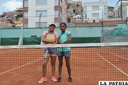 Luciana Flores y Mishely Fernández sacaron cara por Oruro/ OVIDIO CAYOJA LA PATRIA