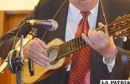 El charango es un instrumento netamente boliviano/ LA PATRIA ARCHIVO