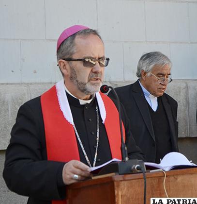 Monseñor Cristóbal Bialasik en celebraciones de Semana Santa /Carla Herrera /la patria