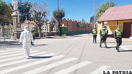 Con las medidas de bioseguridad se esperaba al primer fallecido por coronavirus en Oruro /GAMO