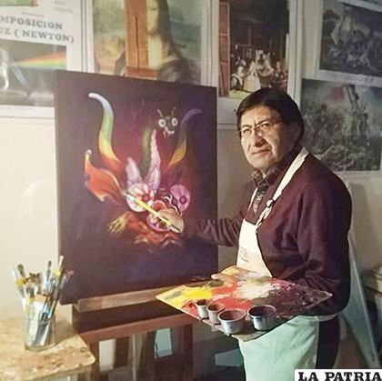 Finelez Llanque trabaja en su casa /Finelez Llanque /Facebook