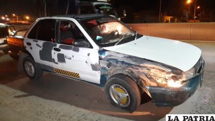 Deterioros en la parte lateral derecha del taxi /LA PATRIA